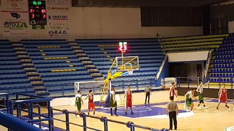 https://www.basketmarche.it/immagini_articoli/29-10-2017/serie-c-silver-gare-della-domenica-campetto-ancona-ok-all-overtime-fossombrone-a-valanga-270.jpg