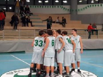 https://www.basketmarche.it/immagini_articoli/29-10-2017/under-15-regionale-il-campetto-ancona-supera-l-adriatico-ancona-270.jpg