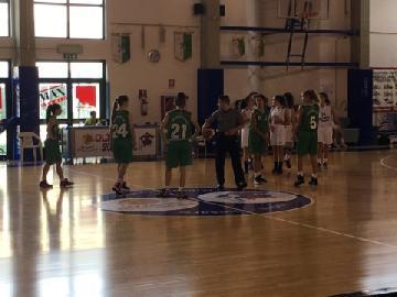 https://www.basketmarche.it/immagini_articoli/29-10-2017/under-16-femminile-ottimo-esordio-per-il-porto-san-giorgio-basket-a-pesaro-270.jpg