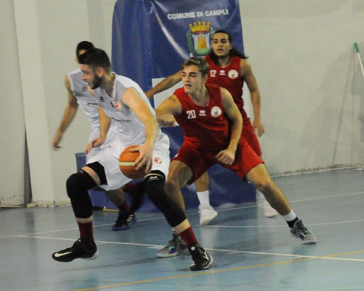 https://www.basketmarche.it/immagini_articoli/29-10-2018/chieti-basket-sfiora-colpaccio-campo-nova-campli-basket-600.jpg