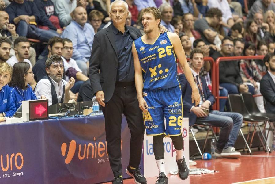 https://www.basketmarche.it/immagini_articoli/29-10-2018/poderosa-montegranaro-nota-infortunio-andrea-traini-600.jpg