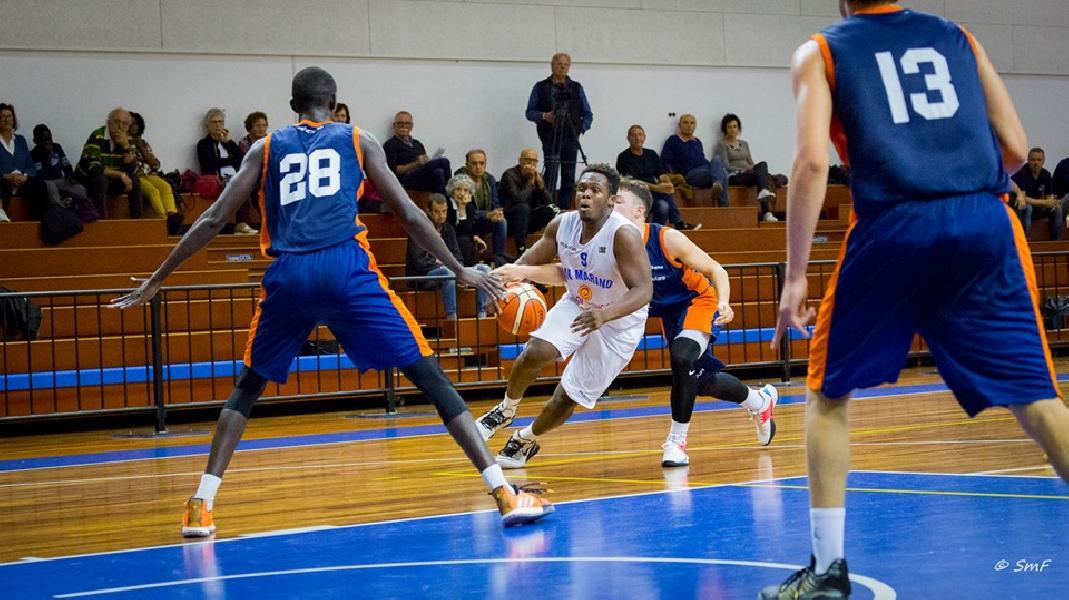 https://www.basketmarche.it/immagini_articoli/29-10-2019/under-pallacanestro-titano-marino-supera-aurora-jesi-vola-testa-classifica-600.jpg