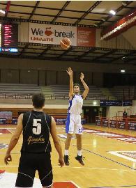 https://www.basketmarche.it/immagini_articoli/29-11-2017/d-regionale-conosciamoli-meglio-quaranta-domande-a-lorenzo-cardinali-aesis-jesi-270.jpg