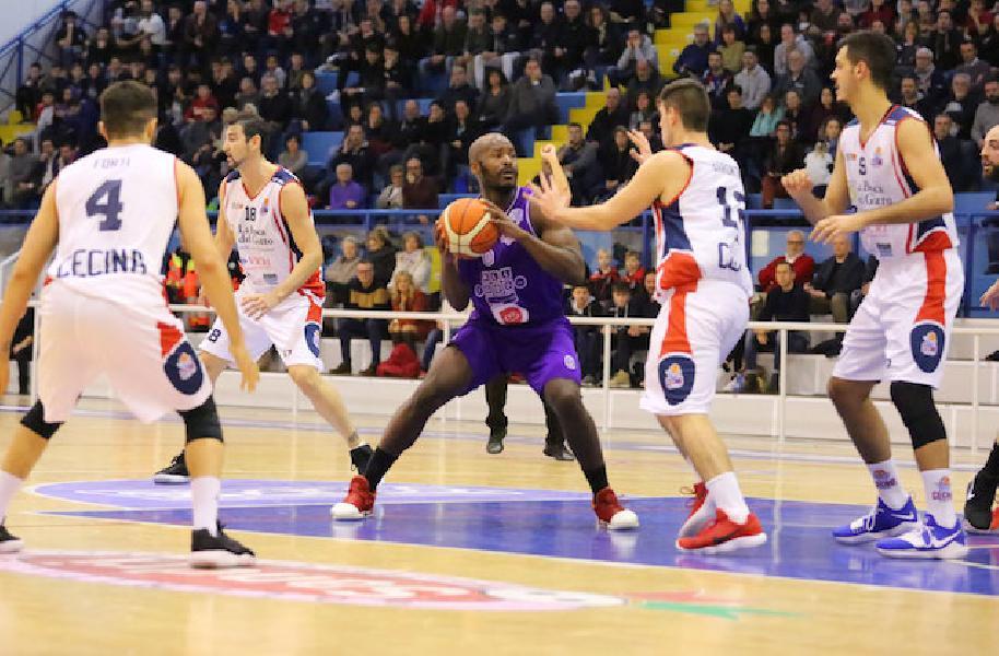 https://www.basketmarche.it/immagini_articoli/29-11-2018/bruno-ondo-mengue-firmato-ufficialmente-giocatore-janus-fabriano-600.jpg