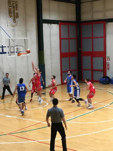 https://www.basketmarche.it/immagini_articoli/29-11-2019/pallacanestro-ellera-batte-orvieto-basket-conquista-ottava-vittoria-consecutiva-600.jpg