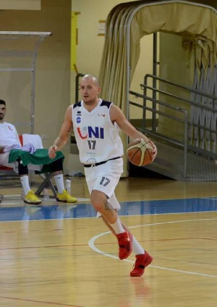 https://www.basketmarche.it/immagini_articoli/29-12-2018/punto-situazione-casa-unibasket-lanciano-insieme-capitan-alex-martelli-600.jpg