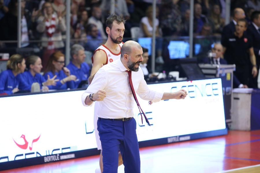 https://www.basketmarche.it/immagini_articoli/29-12-2019/pallacanestro-reggiana-coach-buscaglia-portare-casa-vittoria-roma-cosa-prioritaria-600.jpg