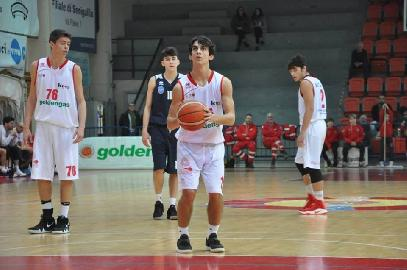 https://www.basketmarche.it/immagini_articoli/30-01-2018/post-senigallia-ortona-le-parole-di-coach-foglietti-giacomini-e-maiolatesi-270.jpg