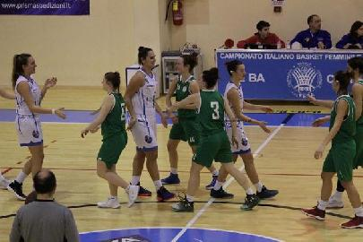 https://www.basketmarche.it/immagini_articoli/30-01-2018/serie-c-femminile-il-cus-ancona-sconfitto-sul-campo-della-capolista-civitanova-270.jpg