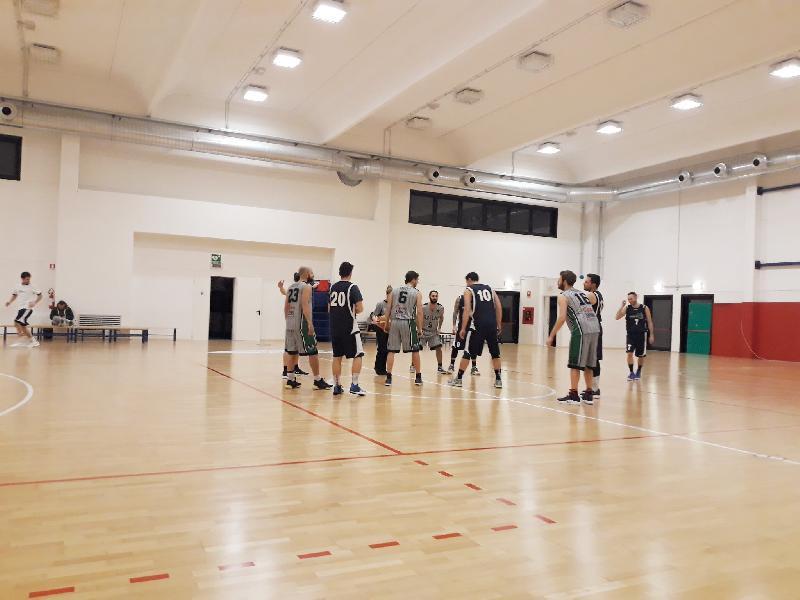 https://www.basketmarche.it/immagini_articoli/30-01-2019/marotta-basket-ferma-ravens-montecchio-battuti-imbattibilit-mantenuta-600.jpg