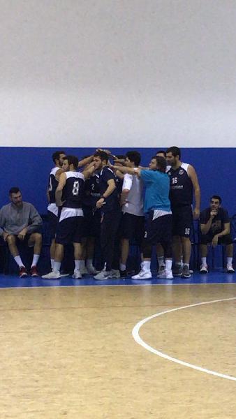 https://www.basketmarche.it/immagini_articoli/30-01-2020/anticipo-ritorno-netta-vittoria-pesaro-basket-derby-vuelle-600.jpg
