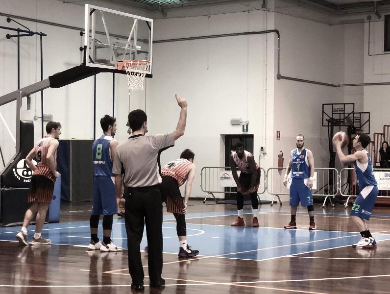 https://www.basketmarche.it/immagini_articoli/30-01-2020/wispone-taurus-jesi-impone-coriaceo-basket-gualdo-600.jpg