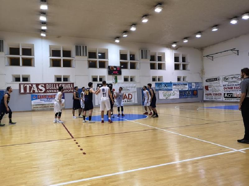 https://www.basketmarche.it/immagini_articoli/30-03-2019/basket-giovane-pesaro-ritrova-sorriso-derby-basket-fanum-600.jpg