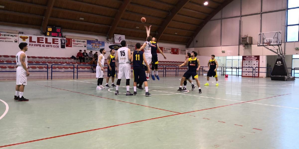 https://www.basketmarche.it/immagini_articoli/30-03-2019/pallacanestro-acqualagna-supera-castelfidardo-conferma-posto-600.jpg