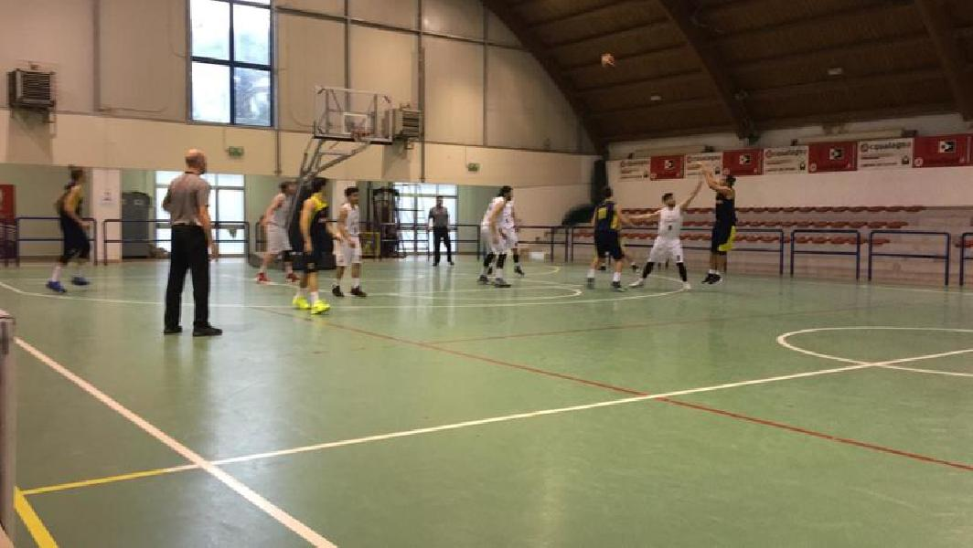 https://www.basketmarche.it/immagini_articoli/30-03-2019/regionale-loreto-sbanca-ancona-bene-castelfidardo-basket-giovane-montemarciano-600.jpg