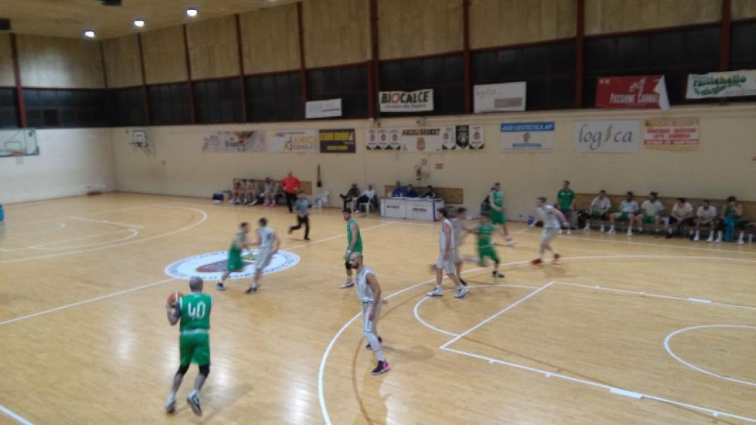 https://www.basketmarche.it/immagini_articoli/30-03-2019/regionale-vincono-prime-pedaso-matematicamente-bagarre-ultimi-pass-playoff-600.jpg