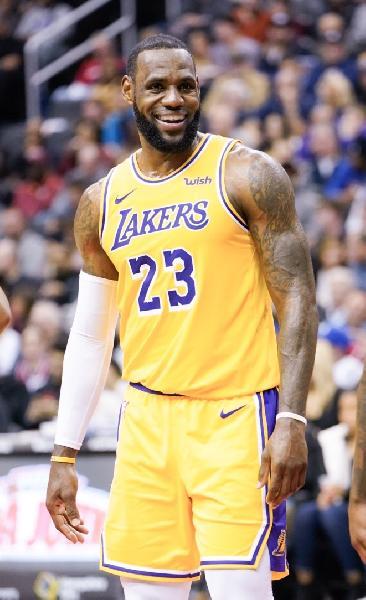 https://www.basketmarche.it/immagini_articoli/30-03-2021/lebron-james-ancora-miglior-giocatore-mondo-600.jpg