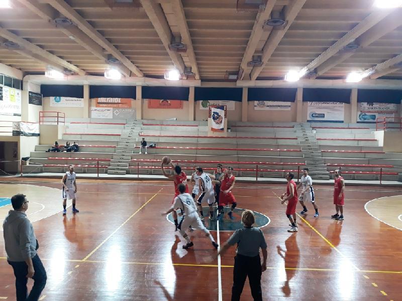 https://www.basketmarche.it/immagini_articoli/30-04-2019/prima-divisione-playoff-tutte-date-ufficiali-semifinali-parte-gioved-maggio-600.jpg