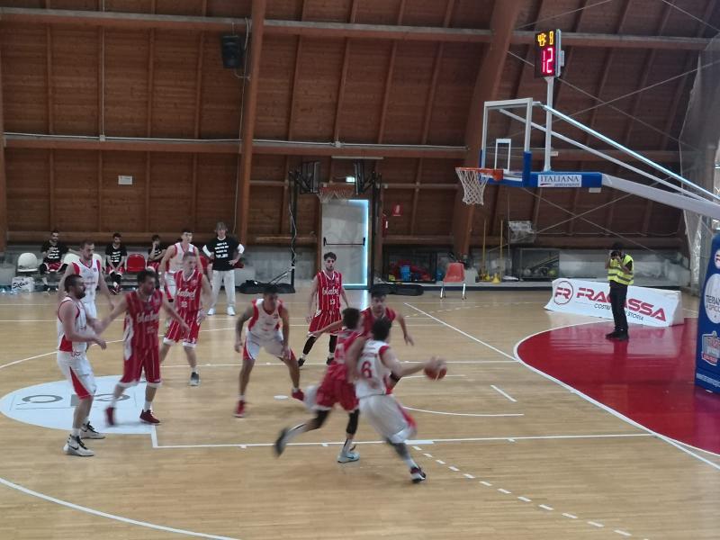 https://www.basketmarche.it/immagini_articoli/30-04-2019/silver-playoff-orvieto-basket-esce-testa-alta-playoff-600.jpg