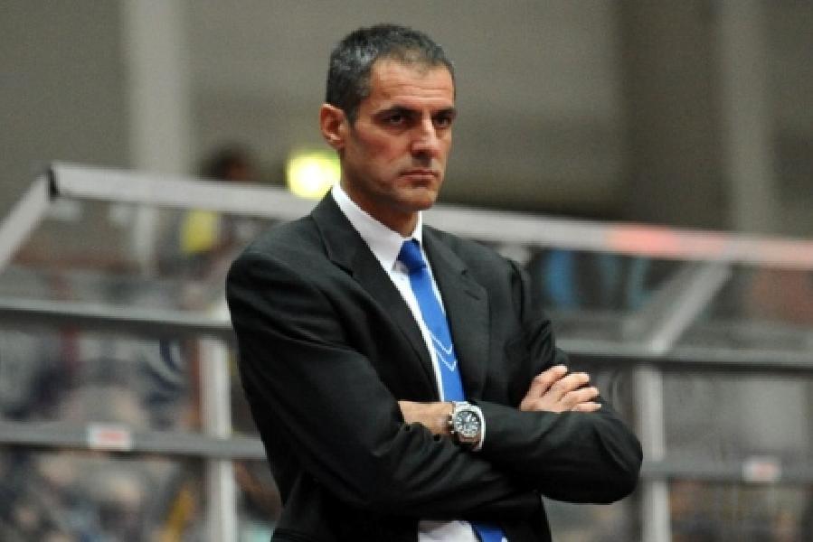 https://www.basketmarche.it/immagini_articoli/30-04-2020/unieuro-forl-coach-sandro-agnello-avanti-ancora-insieme-anche-prossima-stagione-600.jpg