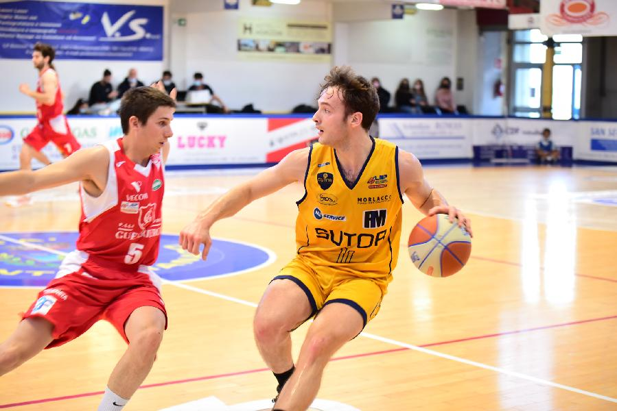 https://www.basketmarche.it/immagini_articoli/30-05-2021/rifiutata-richiesta-rinvio-serie-sutor-montegranaro-basket-mestre-inizier-giugno-600.jpg