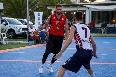 https://www.basketmarche.it/immagini_articoli/30-06-2018/roseto-summer-league-2018-il-quintetto-ideale-della-terza-giornata-270.jpg