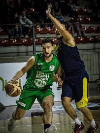 https://www.basketmarche.it/immagini_articoli/30-06-2018/serie-b-nazionale-continua-a-prendere-forma-il-campetto-ancona-confermato-anche-matteo-redolf-270.jpg