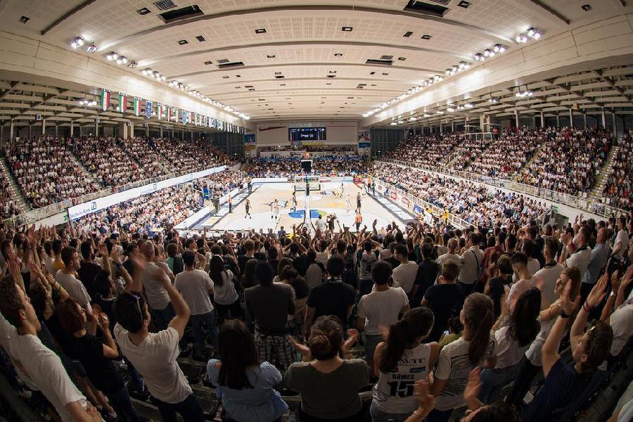 https://www.basketmarche.it/immagini_articoli/30-06-2020/aquila-basket-trento-vicino-rinnovo-kelly-arrivo-palumbo-piacciono-simone-fontecchio-michele-vitali-600.jpg
