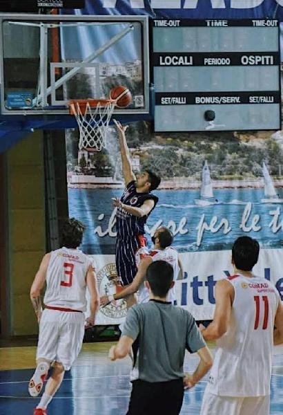 https://www.basketmarche.it/immagini_articoli/30-07-2021/torre-spes-ufficiale-conferma-denis-stjepanovic-600.jpg