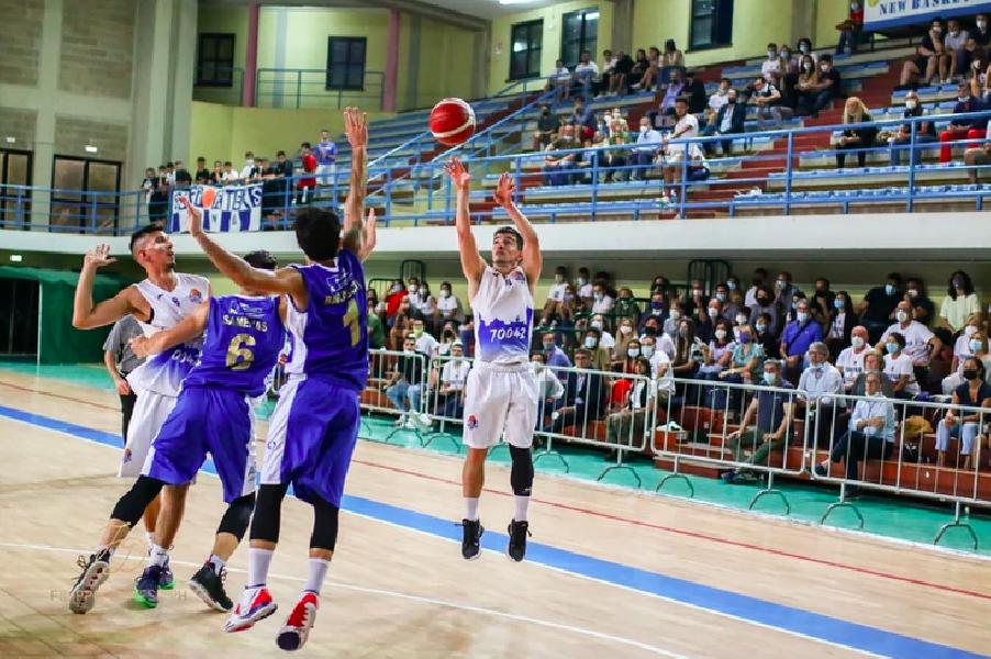 https://www.basketmarche.it/immagini_articoli/30-07-2021/ufficiale-mola-basket-santiago-dilascio-insieme-anche-prossima-stagione-600.png