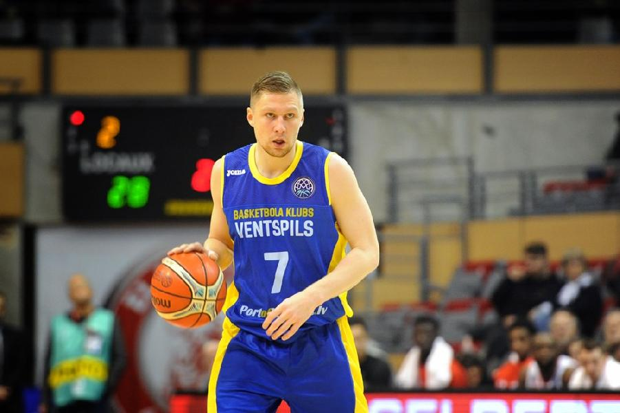 https://www.basketmarche.it/immagini_articoli/30-08-2019/pallacanestro-varese-corre-ripari-arrivo-lettone-ingus-jakovics-600.jpg
