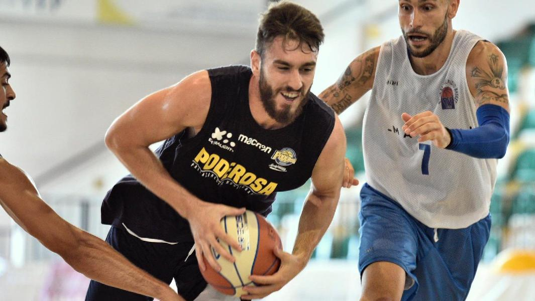 https://www.basketmarche.it/immagini_articoli/30-08-2019/poderosa-montegranaro-viene-fuori-distanza-test-porto-sant-elpidio-600.jpg