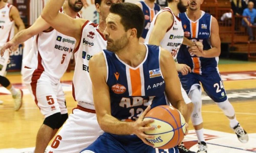 https://www.basketmarche.it/immagini_articoli/30-08-2020/aurora-jesi-riccardo-pederzini-vicino-pallacanestro-crema-600.jpg