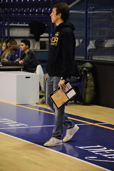 https://www.basketmarche.it/immagini_articoli/30-09-2018/sutor-montegranaro-ospita-fossombrone-prepartita-coach-marco-ciarpella-600.jpg