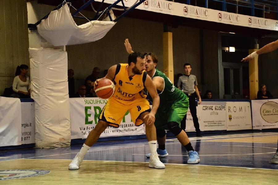 https://www.basketmarche.it/immagini_articoli/30-09-2018/sutor-montegranaro-parte-botto-battuta-merito-fossombrone-600.jpg