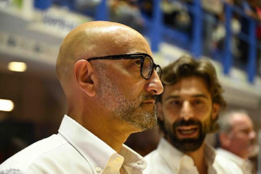 https://www.basketmarche.it/immagini_articoli/30-09-2019/happy-casa-brindisi-coach-vitucci-abbiamo-reagito-grande-continuiamo-migliorare-600.jpg