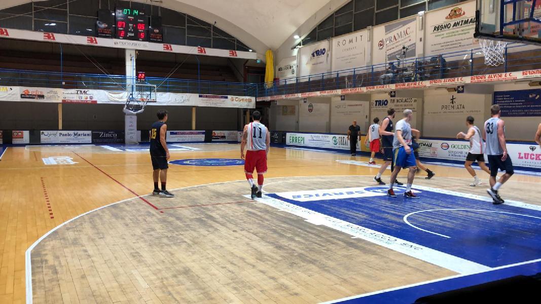 https://www.basketmarche.it/immagini_articoli/30-09-2020/sutor-montegranaro-aggiudica-amichevole-vigor-matelica-600.jpg