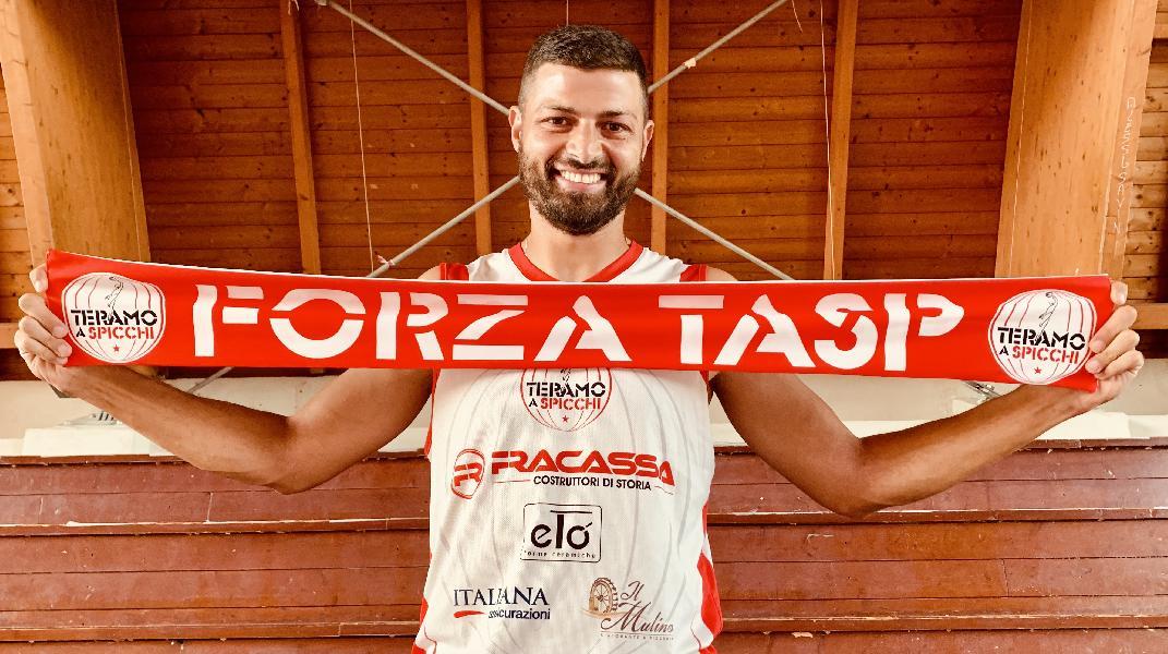 https://www.basketmarche.it/immagini_articoli/30-09-2020/teramo-spicchi-antonio-serroni-capitano-sono-fiero-orgoglioso-600.jpg