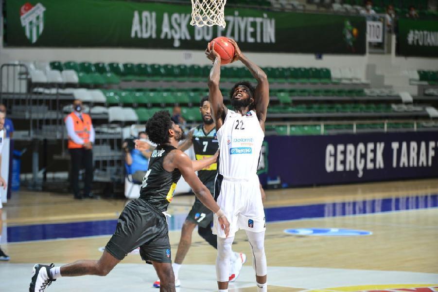 https://www.basketmarche.it/immagini_articoli/30-09-2020/trento-coach-brienza-sono-contento-reazione-mentale-squadra-secondo-tempo-600.jpg