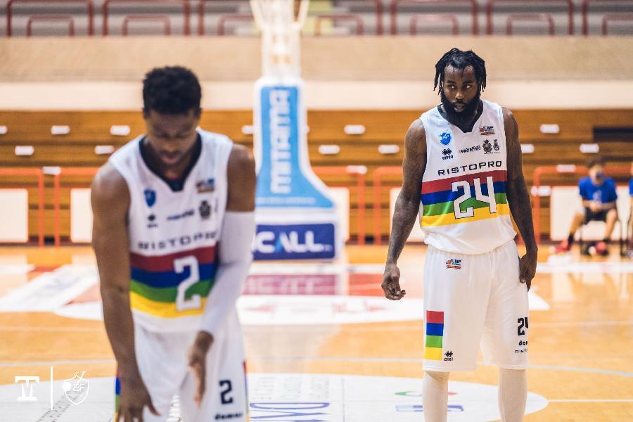 https://www.basketmarche.it/immagini_articoli/30-09-2021/janus-fabriano-pronta-esordio-stella-azzurra-marco-ciarpella-squadra-molto-fisica-600.jpg