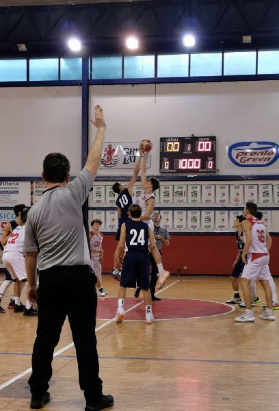 https://www.basketmarche.it/immagini_articoli/30-10-2019/under-ancona-progetto-2004-sconfitto-campo-pontevecchio-basket-600.jpg