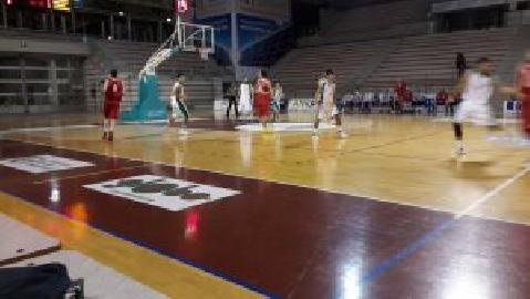 https://www.basketmarche.it/immagini_articoli/30-11-2017/d-regionale-i-canestri-di-bartolucci-spingono-il-cab-stamura-alla-vittoria-contro-tolentino-270.jpg
