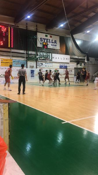 https://www.basketmarche.it/immagini_articoli/30-11-2018/regionale-live-girone-anticipi-nona-giornata-tempo-reale-600.jpg