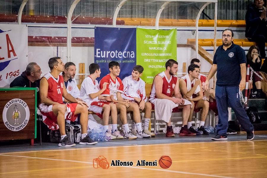 https://www.basketmarche.it/immagini_articoli/30-11-2019/basket-maceratese-coach-palmioli-abbiamo-disputato-grande-partita-ottimo-avversario-600.jpg