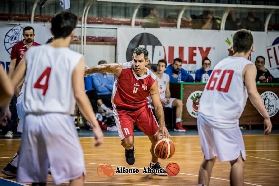 https://www.basketmarche.it/immagini_articoli/30-11-2019/basket-maceratese-trova-settima-fila-campo-vigor-matelica-600.jpg