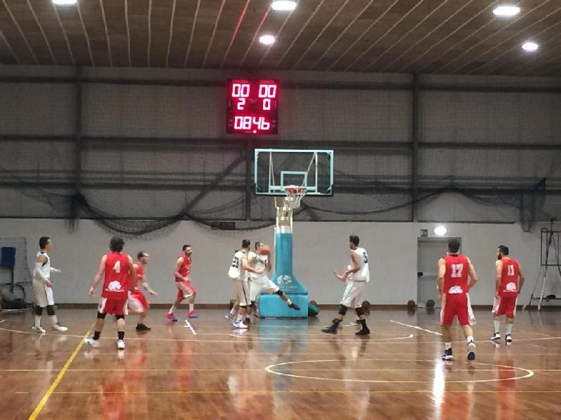 https://www.basketmarche.it/immagini_articoli/30-11-2019/leone-ricci-chiaravalle-espugna-finale-campo-conero-basket-600.jpg