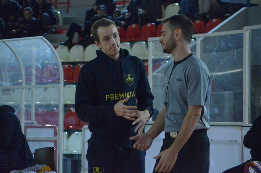 https://www.basketmarche.it/immagini_articoli/30-11-2019/sutor-montegranaro-coach-ciarpella-cesena-dobbiamo-fare-prestazione-carattere-600.jpg