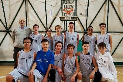https://www.basketmarche.it/immagini_articoli/31-01-2018/under-14-regionale-l-adriatico-orsal-ancona-ferma-la-corsa-dell-imbattuta-pallacanestro-urbania-270.jpg