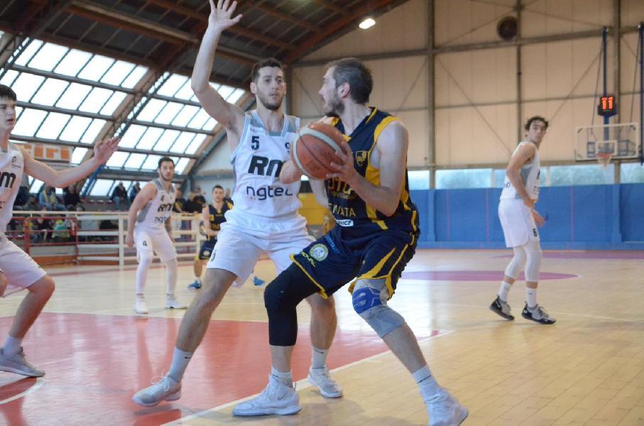https://www.basketmarche.it/immagini_articoli/31-03-2019/serie-gold-live-risultati-penultima-ritorno-tempo-reale-600.jpg