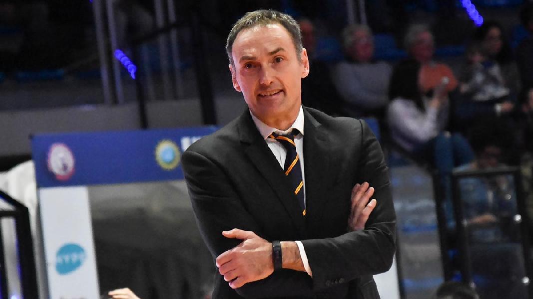 https://www.basketmarche.it/immagini_articoli/31-03-2021/ufficiale-luca-bechi-allenatore-cestistica-severo-600.jpg